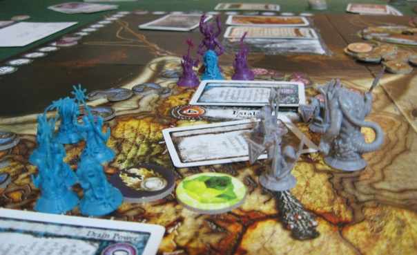 I had no picture with just Tzeentch and Slaanesh, so you get an exclusive spoiler that the Horned Rat was in this game too.