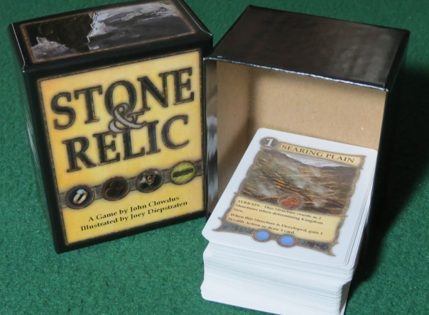 Today we're having a stealthy Board Game Box Review! Result: ★★★